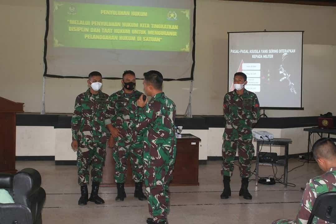Hukum Divif 2 Kostrad Berikan Penyuluhan di Satuan Jajaran Brigif MR 6/TSB/2 Kostrad