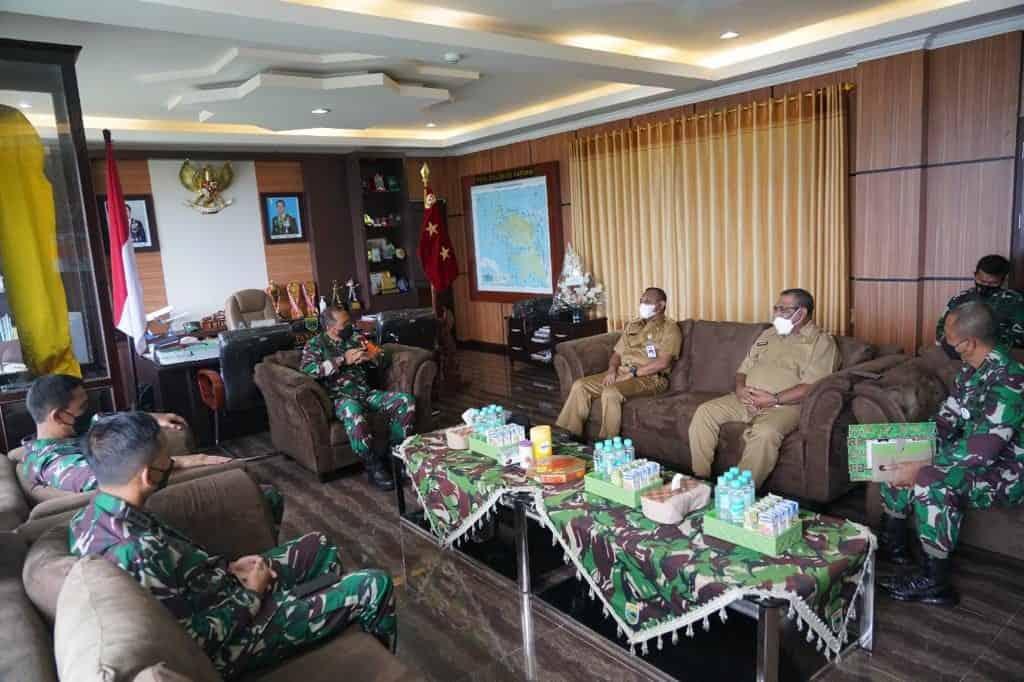 Pangdam XVIII/Kasuari Terima Audiensi Bupati dan Wabup Teluk Bintuni