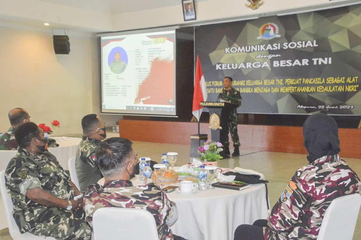 Korem 172/PWY Gelar Komsos Bersama Keluarga Besar TNI