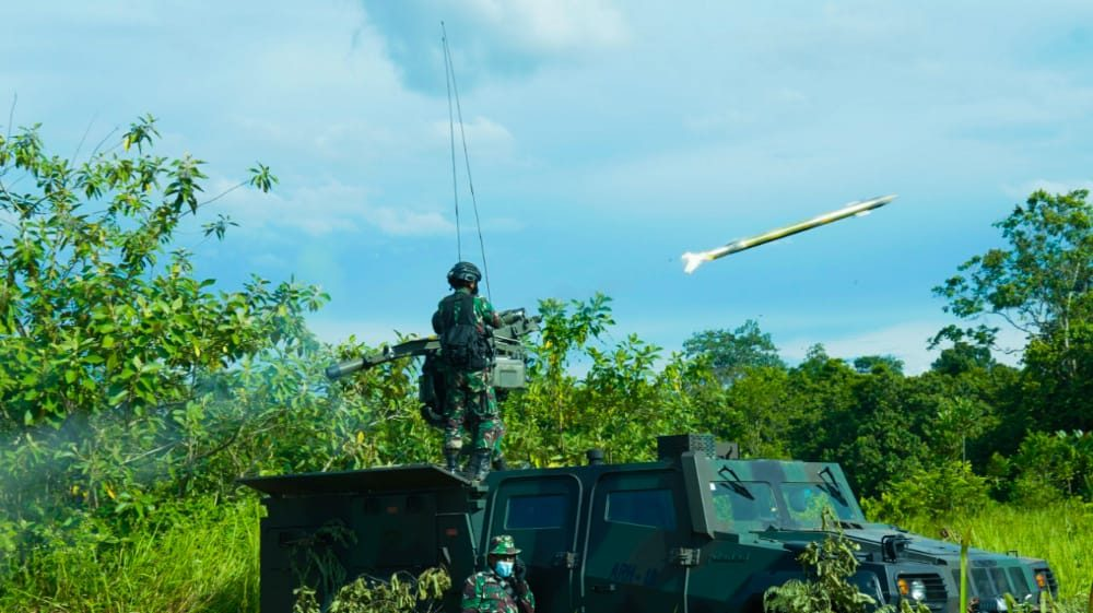 Pesawat Tanpa Awak Dihancurkan Rudal Gagak Hitam di Wilayah Udara Baturaja.