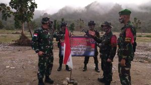 Kunjungi Satgas Yonif 742, Kasiops Kolakops Satgas Tinjau Patok Perbatasan