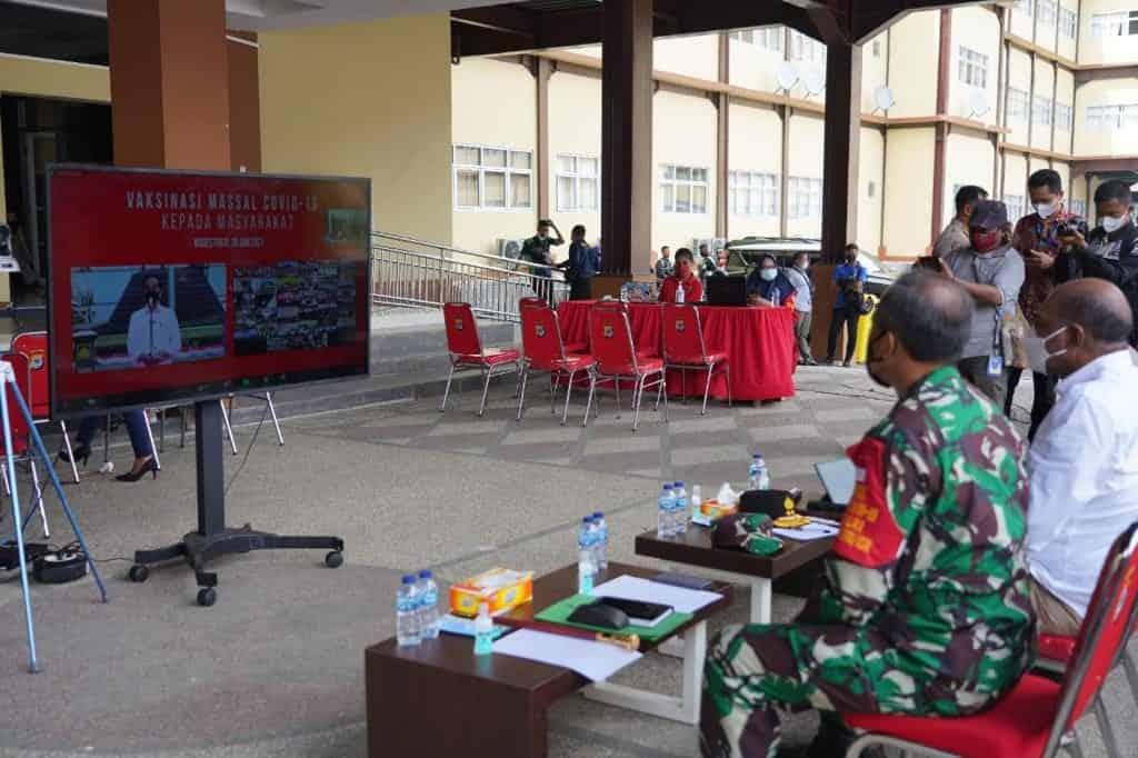 Pangdam XVIII/Kasuari Ikuti Rapat Virtual Dengan Presiden RI Terkait Vaksinasi Massal
