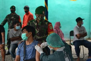 Cegah Penyebaran Covid-19, Kodim 1710/Mimika Sukseskan Serbuan Vasinasi Nasional TNI-Polri