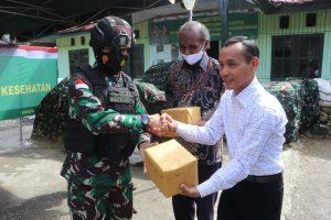 Pangdam XVII/Cenderawasih Serahkan Rumah Dinas Kesehatan Ke Pemda Kabupaten Intan Jaya dan Resmikan Lapangan Tembak Yonif 753/AVT