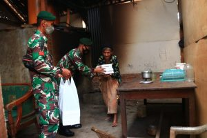 Divif 2 Kostrad Laksanakan Program Kostrad Peduli Sesama di Tengah Pandemi Covid-19