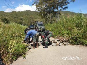Sempat terhalang Roadblock Saat Kunjungi Distrik Bolakme, Dansatgas Yonif 751/ VJS Ingatkan Keberagaman