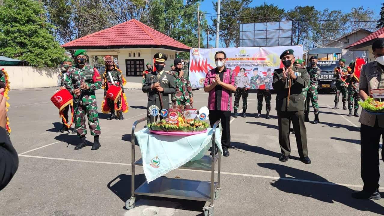 Drumband Canka Wira Yudha Sejati Meriahkan HUT Bhayangkara di Belu