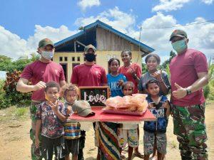 Tingkatkan Keterampilan Warga, Satgas Yonif 131 Gelar Pelatihan Membuat Kripik Pisang di Perbatasan