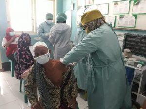 Antusias Warga Bagu, Lombok Tengah Ikuti Vaksinasi Covid-19