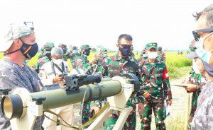 Dislitbangad Gelar Ujicoba Senjata Lawan Tank (SLT)