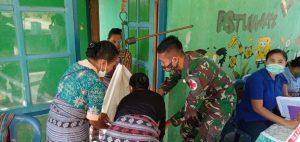 Jamin Tumbuh Kembang Balita, Satgas Yonarmed 6/3 Gelar Posyandu di Perbatasan RI-RDTL