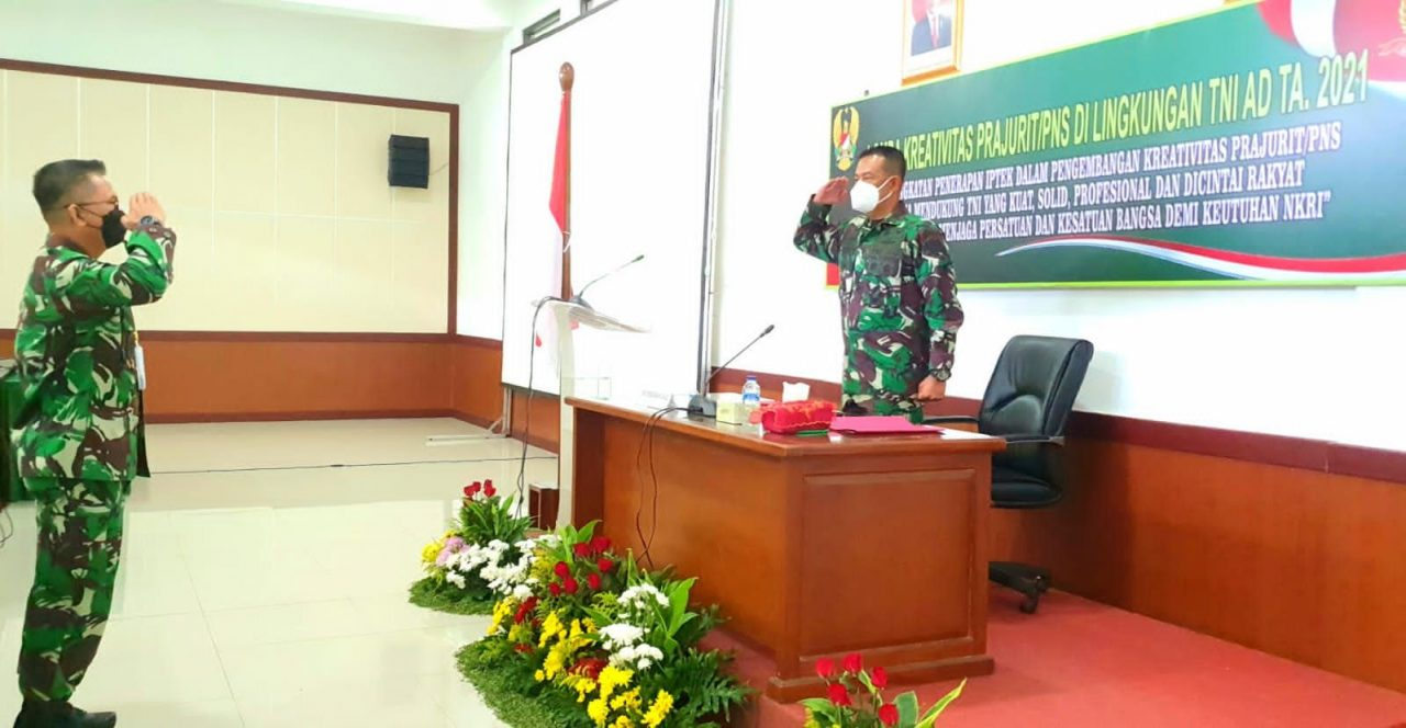Cerdaskan Prajurit dan PNS, Kadislitbangad Buka Lomba Kreativitas Prajurit/PNS TNI AD TA 2021