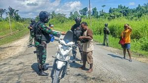 Ciptakan Rasa Aman, Satgas Yonif 512/QY Gelar Sweeping Rutin di Jalur Perbatasan Papua
