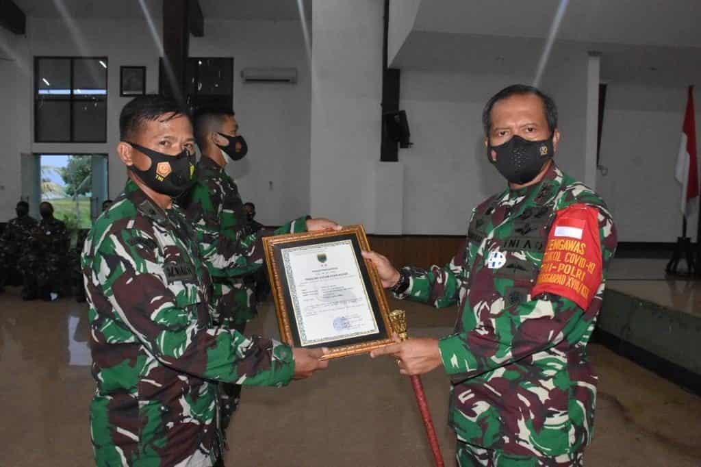 Pangdam XVIII/Kasuari Lepas 412 Personel Satuan BKO Apter Kodim Persiapan Gelombang III TA 2020