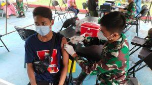 Sukseskan Program Pemerintah Penanganan Covid-19, Kodam XVII/Cenderawasih Gelar Vaksinasi Serentak Hari ke-2