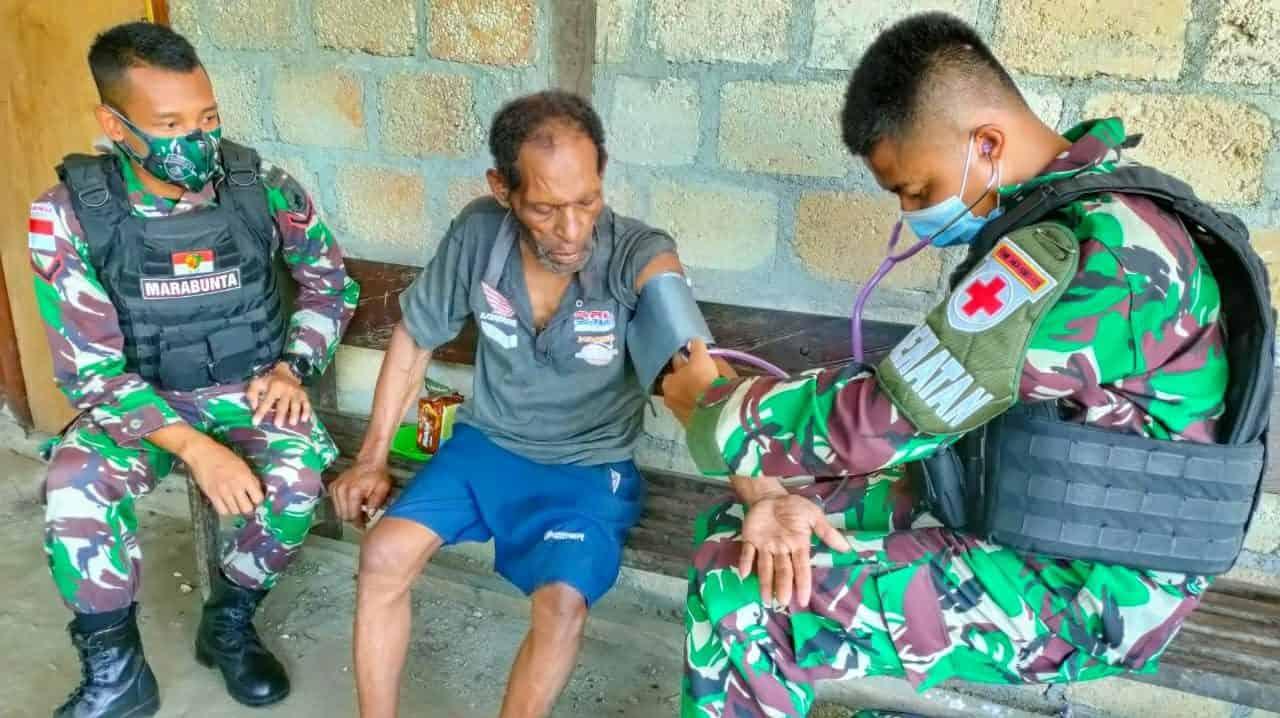 Maksimalkan Pelayanan Kesehatan Bagi Warga Perbatasan, Satgas Yonif 512/QY Gencarkan Kegiatan Pengobatan Door To Door