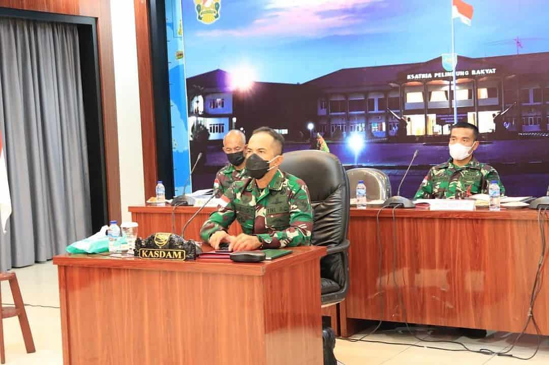 Kasdam XVII/Cenderawasih Ikuti Vicon Bersama Panglima TNI Penanganan Covid – 19