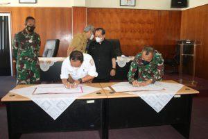 Aster Kasdam II/Swj Hadiri Acara Penandatanganan Kerja Sama Optimasi Lahan Rawa dan Olah Tanah