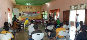 Anggota Satgas 144/JY Bantu Puskesmas Badau Gelar Vaksin Kedua di Batas Negeri