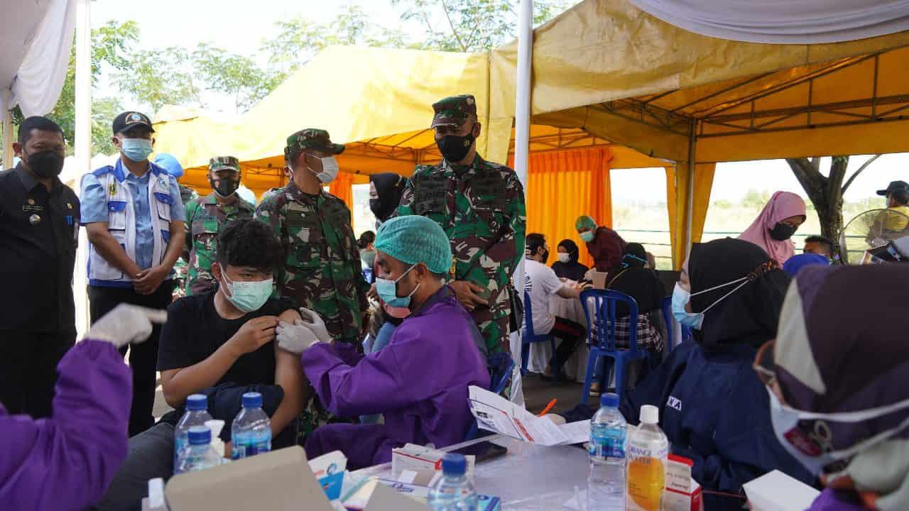 Jemput Bola, Upaya Danrem 061/SK Terjun ke Desa Percepatan Vaksinasi Covid-19