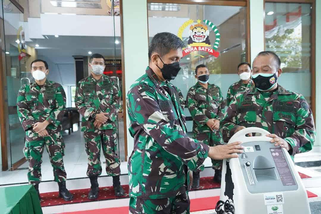 Kebutuhan Oksigen Meningkat, Danrem 163 Wira Satya Serahkan 10 Unit Oxygen Concentrator