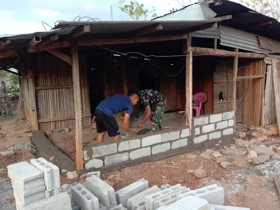 Pos Turiscain Satgas Yonif 742/SWY Rehab Rumah Lansia Tuna Netra