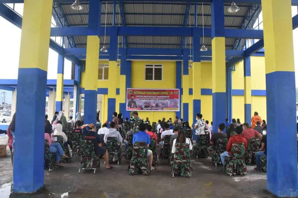 Kodam XVIII/Kasuari Terus Gencarkan Vaksinasi Covid-19 di Papua Barat