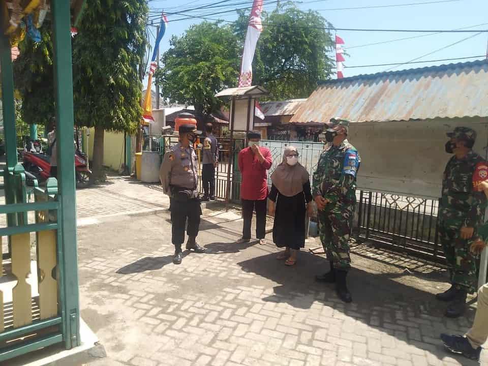 Dandim 1628/SB Tinjau Bale Isoter dan Pelaksanaan Tracking Contact Covid -19 Oleh Satgas Covid Kecamatan Maluk