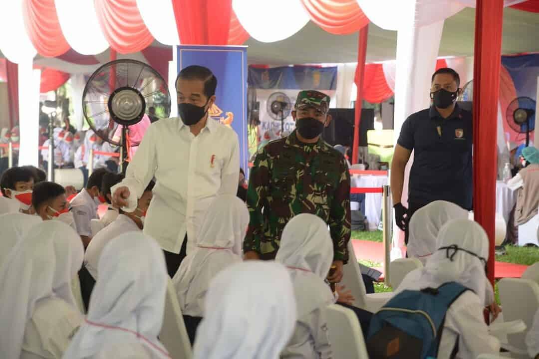 Danrem 061/SK Dampingi Pangdam III/Siliwangi Tinjau Serbuan Vaksinasi Wilayah Bogor