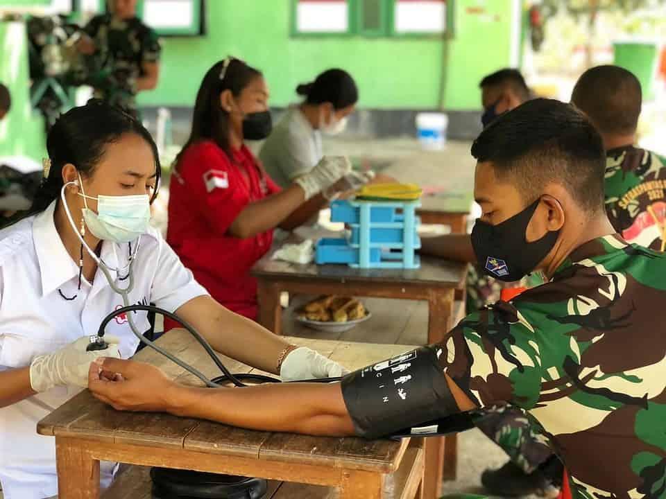 Bantu Stok Darah PMI Belu, Satgas Yonif 742 Gelar Donor Darah