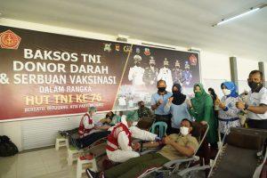 Sambut HUT TNI Ke-76, Korem 162/WB Gelar Baksos Penyaluran Paket Sembako, Donor Darah dan Serbuan Vaksinasi Covid-19