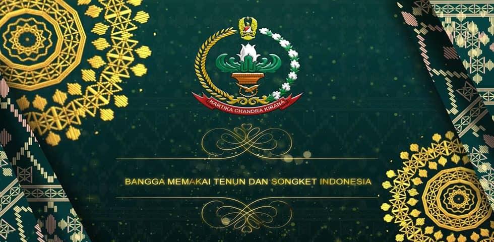 Ketua Umum Persit KCK Bangga Memakai Tenun dan Songket Indonesia