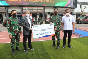 TNI AD TERIMA HIBAH AMBULANCE DAN ALAT KESEHATAN