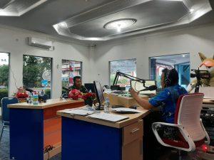 Satgas Yonmek 403, Sapa Masyarakat Melalui RRI Jayapura