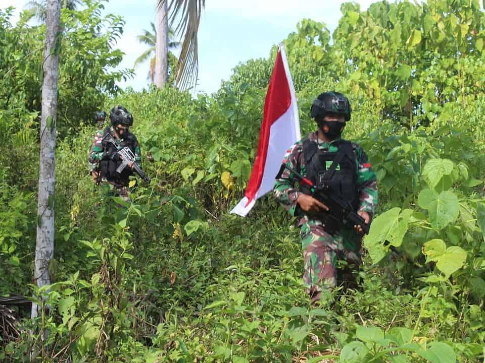 Jamin Keamanan Perbatasan, Satgas Yonif 131 Cek Patok Batas MM 1