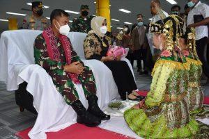 Danrem 152/Baabullah Bersama Forkopimda Sambut Kunker Perdana Pangdam XVI/Pattimura di Ternate