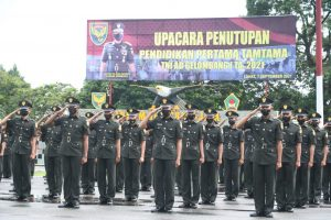 Tutup Pendidikan Tamtama, Pangdam II/Swj Lantik 400 Prajurit Dua