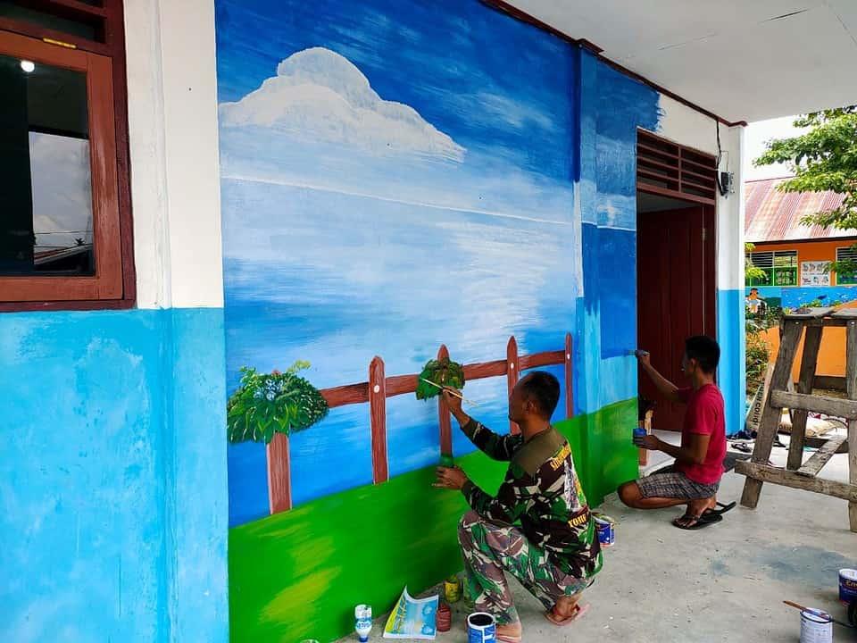 Satgas Yonif 131 Perbaiki dan Cat Bangunan PAUD di Papua