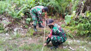 Satgas Yonif 144/JY Terima Kunjungan Tim Survei BNPP Tinjau Patok Batas Negara dan Sarpras