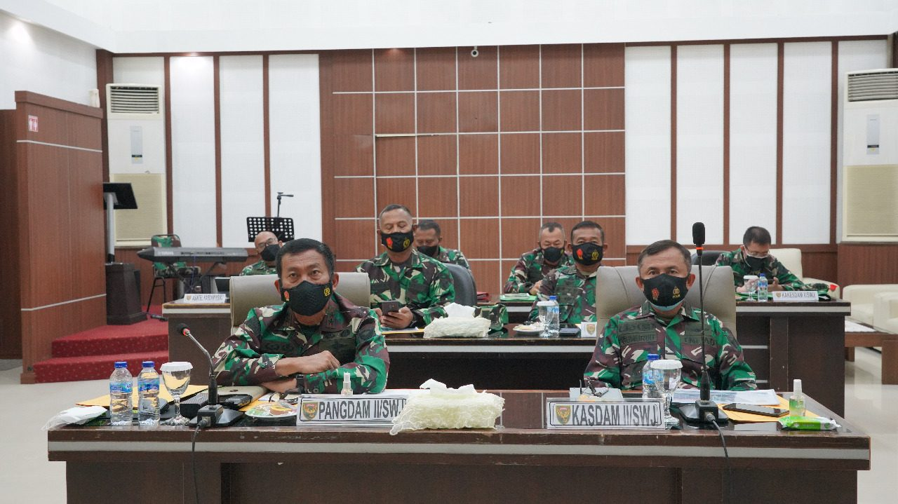 Pangdam II/Sriwijaya Vicon Dengan Panglima TNI Bahas Evaluasi Penanganan Covid – 19 dan Vaksinasi