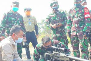 Dislitbangad Uji Coba Prototipe Senapan Sniper Kaliber 20 MM Anti Materiel Hasil Kegiatan Litbanghan Dislitbangad Kerja Sama PT. Pindad