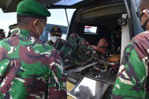 Aparat TNI Berhasil Evakuasi Nakes Korban Kekejaman KST Papua Dari Distrik Kiwirok