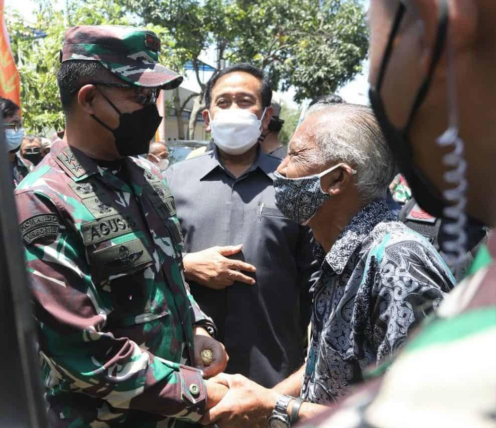 Usai Tinjau Vaksinasi Kampung 3T, Pangdam III/Siliwangi Pantau Vaksinasi Wilayah Kota