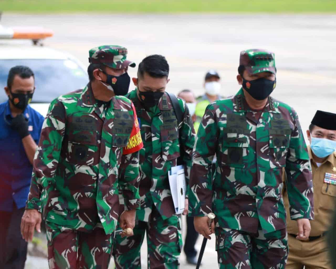 Pangdam II/Sriwijaya Bersama Forkopimda Dampingi Kunker Panglima TNI dan Kapolri di Jambi Tinjau Serbuan Vaksinasi