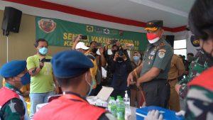 Korem 061/SK Terjunkan 111 Nakes Puskes TNI dan Relawan Wisma Atlet Bantu Percepatan Vaksinasi di Wilayah Bogor