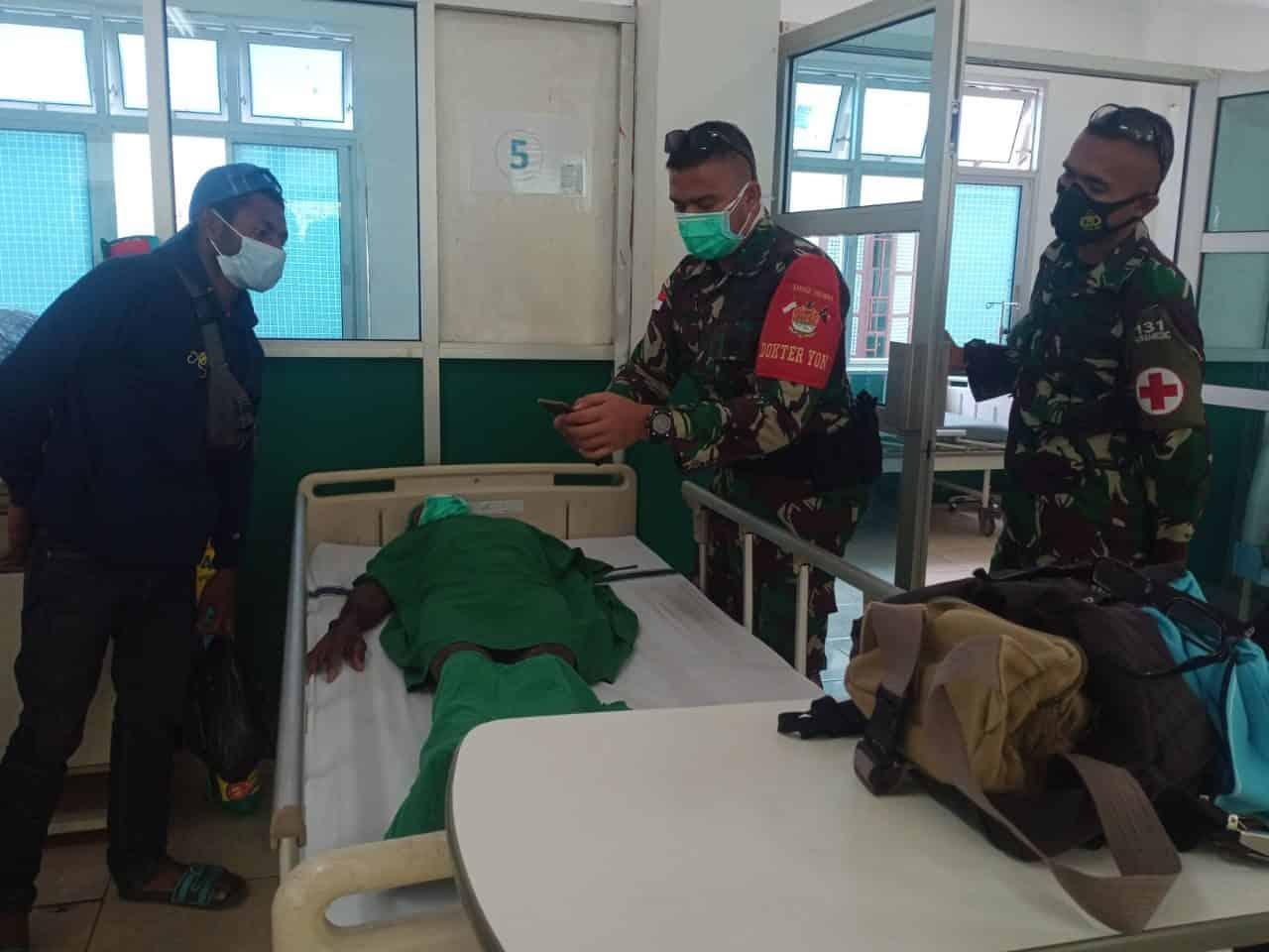 10 Tahun Menderita Katarak, Satgas Yonif 131/Brs Wujudkan Operasi Bagi Ondo Adat Mosso