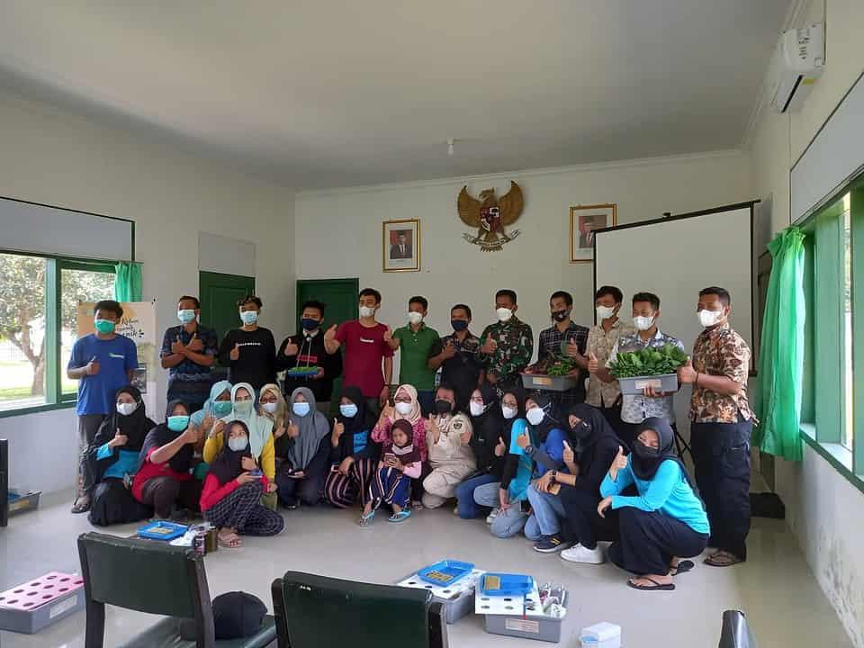 Pelatihan Hidroponik Menjadi Sasaran Non Fisik Karya Bakti TNI dan Bakti Sosial Dislitbangad