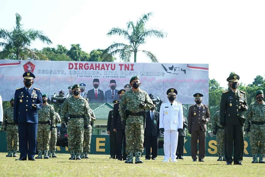 Pangdivif 2 Kostrad Ikuti Upacara Peringatan HUT TNI Ke 76 Secara Virtual di Madivif 2 Kostrad