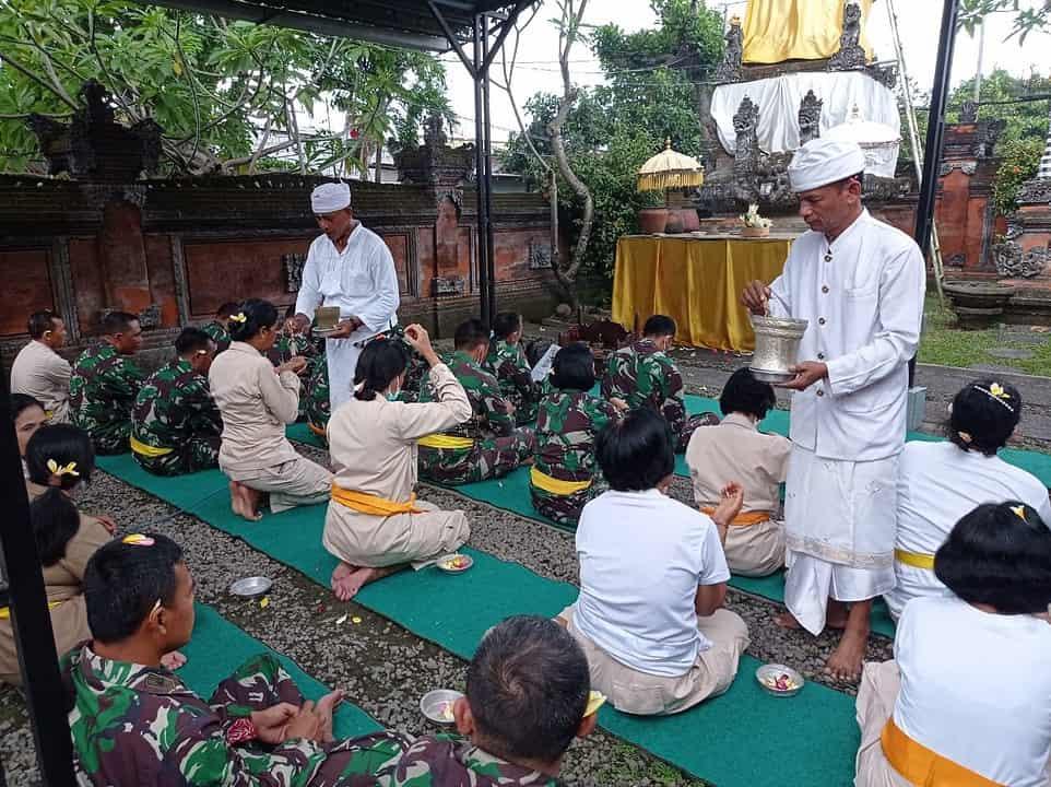 Korem 163 Gelar Doa Bersama HUT Ke-76 TNI