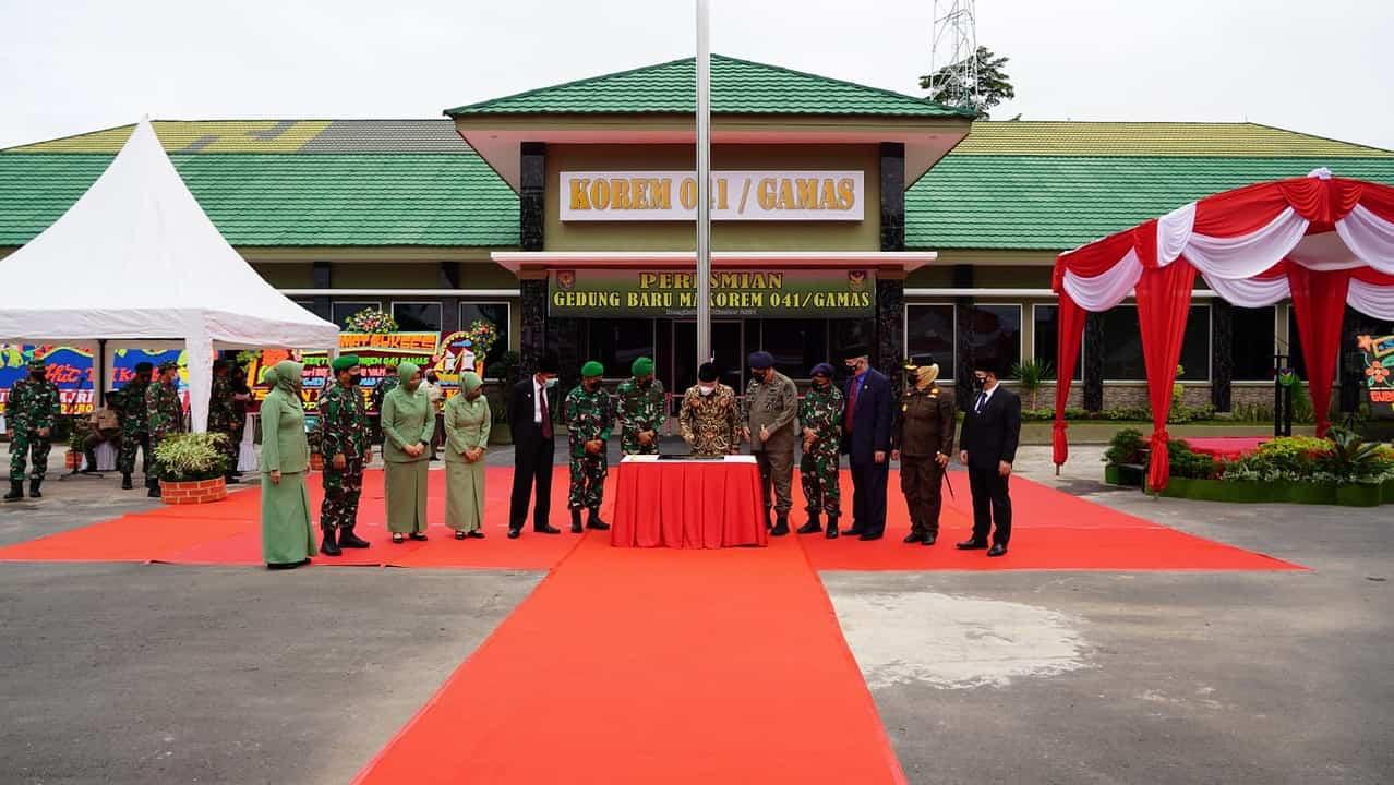 Pangdam II/Sriwijaya dan Gubernur Bengkulu Resmikan Gedung Baru Korem 041/Gamas